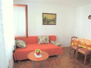 Apartment MARY 2 - 500 m from the sea, Malinska