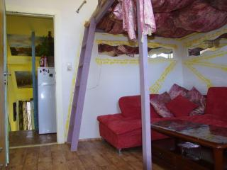 Private room for 1-4 centre, Anversa