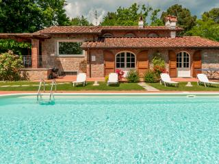 Villa Caterina: Wonderful Villa with pool in Tuscany country side, near Lucca
