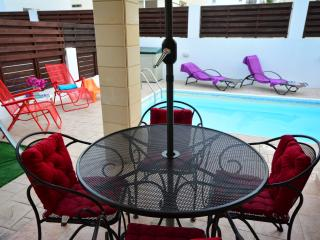 Villa Lana, 300m to beach, family friendly, Protaras