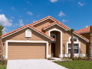 Brand new, 4 bedroom resort home with pool, spa and game room - just minutes to Disney!, Davenport