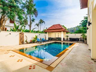 3 bedroom villa, private pool walk to beach! Baan Kaja Villa
