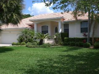 1 Block to the Beach on Siesta Key Vacation Rental Home with Swimming Pool