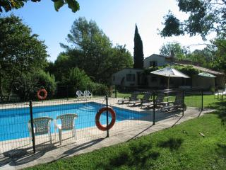 Lovely family holiday home with swimming pool, Callian