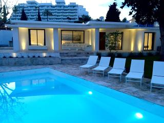 New & Modern villa, 4 Beds & 4 Bath, 150mts from the beach, Private pool, BBQ