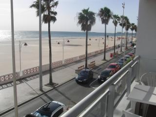 Apartamento con encanto en primera linea de playa, Cádiz