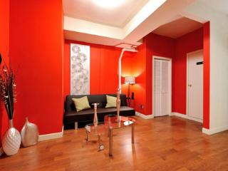 Colorful 3 Bed near Times Square - walk to Chelsea, Garment districts and more!