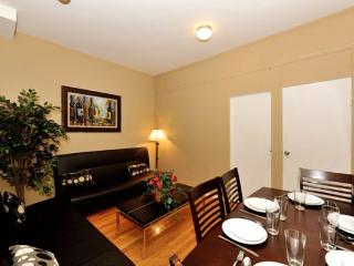Hell's Kitchen 4BR/1BA by Broadway + Central Park, Nueva York