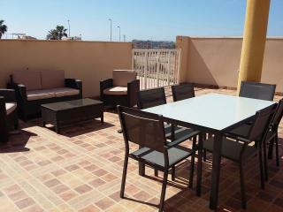Fabulous Apartment With Wi-Fi, Air Con & Pool, Puerto de Mazarron