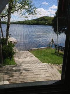 Quaint cottage for rent on Paint Lake, Lake of Bays