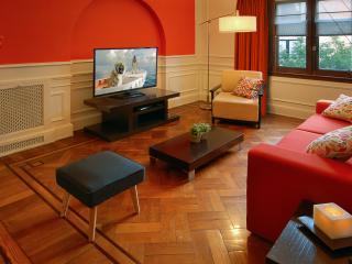 Huge 3 Bedroom / 3 Bath Best Location in Recoleta!, Buenos Aires