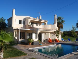 Villa typique du algarve avec piscine privée, Almancil