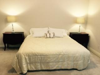 Fully Furnished Bedroom for Vacation Rental and Short Term Stay, Vancouver
