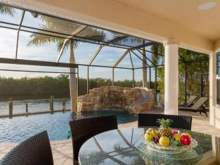 Luxury Villa Tropical Dream with pool and spa