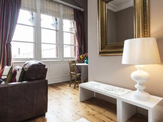 onefinestay - St Pancras Chambers IV private home, Londres