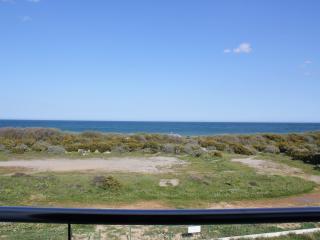 Villa sur la plage entre mer et lagune ,  vue mer , Classée label  4 Etoiles