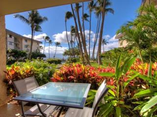 Beautiful, upgraded 2BR, 2 Bath condo at beach, Wailuku