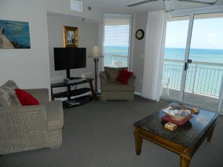 Gorgeous 3 BR/3 BA Oceanfront-Just Reduced!, North Myrtle Beach