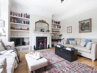 onefinestay - Vicarage Gardens apartment, London