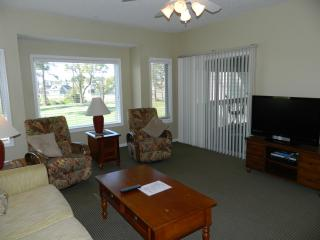 Upscale Tidewater Clubhouse Villas-Great Rates!, North Myrtle Beach