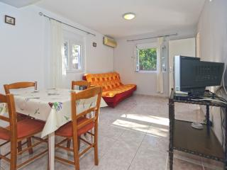 Apartment Vjeko for 3 pax on Hvar