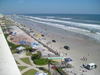 Great View  Beach Front over looking Ocean/ Beach, Daytona Beach