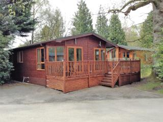 Three bed, dog friendly Lodge on Lake Windermere