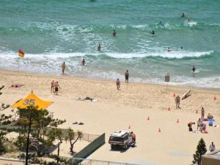 STUNNING OCEAN  AND CITY VIEWS 3 BED  a1314, Surfers Paradise
