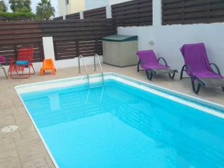 Villa Lana, 300m to beach, family friendly