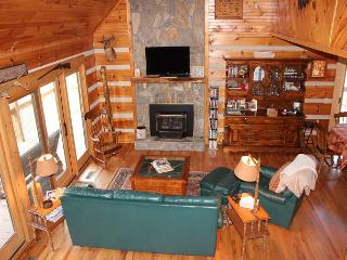 Log Home  W/Large Yard, Fireplace, WiFi, Pond!, Fleetwood