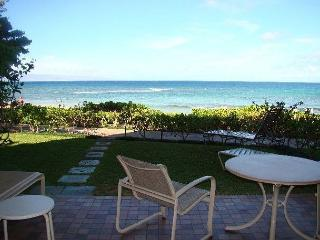 Ocean Front Condo Just Steps From the Sand, Lahaina