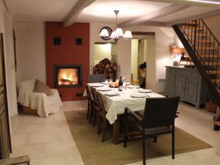 Maison authentique en Drome provençale, Villeperdrix