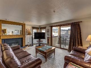 Southwestern Condo in Steamboat Springs with Hot Tub, Pool, and Balcony