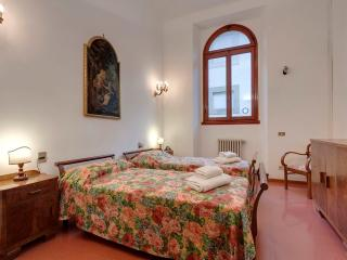 Accademia apartment in San Marco with WiFi & lift.