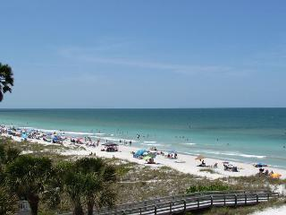 Sea Isles i - Dec. is a beautiful time for a vacation  w/Private Elevator!, Indian Rocks Beach