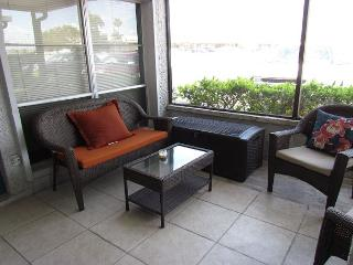 April is  Available at the Yacht Club - Afforable!, Madeira Beach