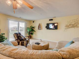 Silver Lining *Fourth row with peeks of the ocean and direct beach access!*, Virginia Beach