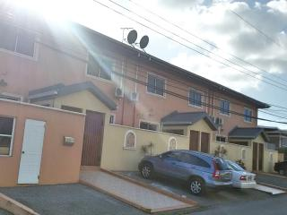 2BR, 3 Beds, 2.5 Bath Townhouse, San Fernando