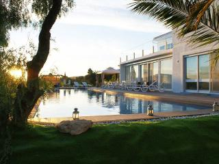 Magnificent moutains and sea view villa, Faro