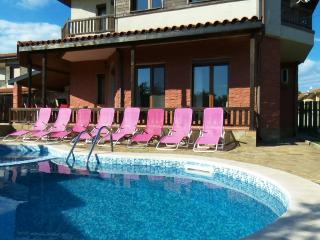 "Villa ""Golf and Relax"" only 3km from Golf Course., Balchik"