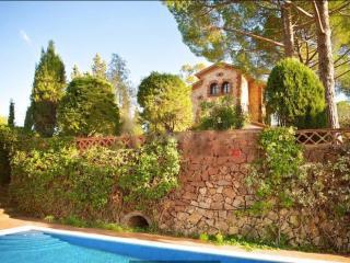 Preciosa Villa de Lujo junto Barcelona con Piscina, Castellvi de Rosanes