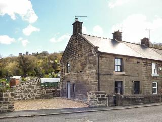 ROSE COTTAGE stone-built period cottage, garden, WiFi, woodburning stove, in Matlock Bath Ref 933822