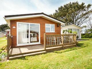 SKYLARKS all ground floor, patio, children's play areas, nr Padstow, Ref 936169