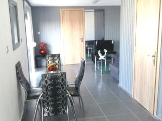 Wonderful penthouse 1km from the beach ., Rhodos