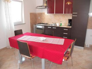 3 bedrooms apartm. + studio in Valbandon  -79/3/4, Pula