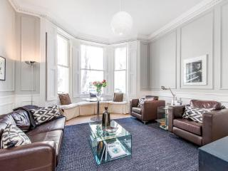 Knightsbridge 2 Bedrooms 2 Bathrooms (2816)