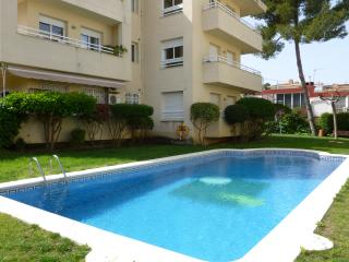Ideal apartment with pool, near beach and parks, Salou