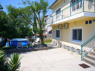 APARTMENT FOR 3 PERSONS - APARTMENTS JADRANOVO, Jadranovo