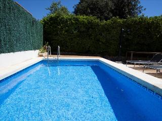 Catalunya Casas: Villa 'El Vendrell' for 6-7 people, with mountain views, only 6