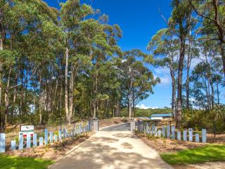 Greenwood Park Estate Luxury Holiday Villas, Batemans Bay